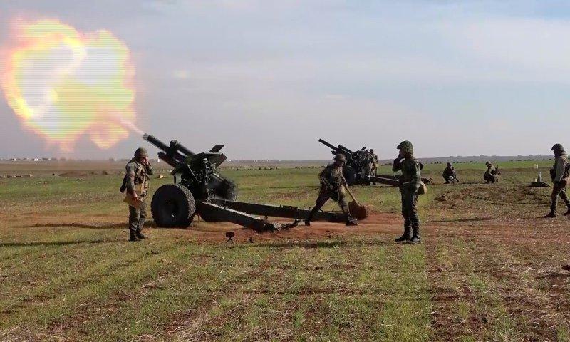 عسكريون روس يدربون قوات سورية على المدفعية 4
