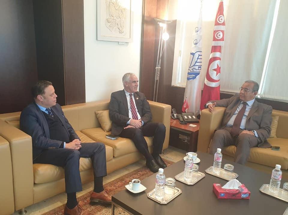 رئيس الغرف التجارية والصناعية الليبية محمد الرعيض يبحث في تونس العلاقات الاقتصادية بين البلدين