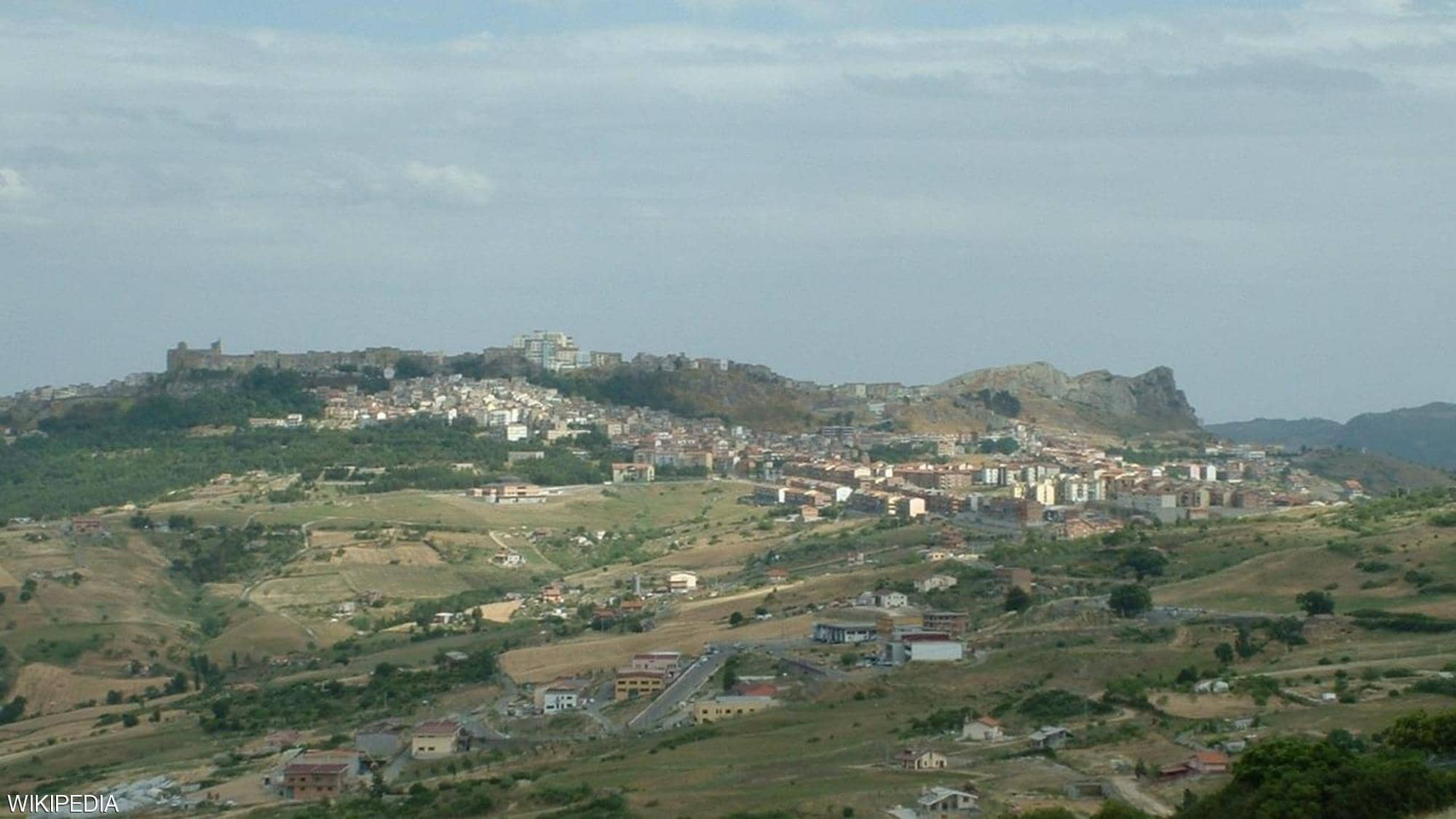 بلدة إيطالية تعرض منازلها للبيع بيورو واحد 4