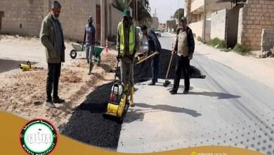 أعمال صيانة طرق في مصراتة بزاوية المحجوب وكرزاز