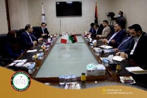 زيارة وزير المالية والعمل الماطي لمدينة مصراتة