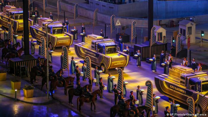نقل موكب ضخم 22 مومياء ملكية مصرية