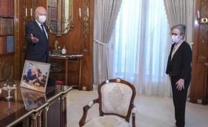 نجلاء بودن تؤدي اليمين أمام الرئيس التونسي