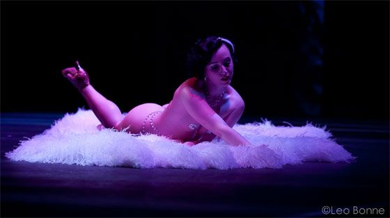 """""""Spellbinding and Beautiful"""": Michelle L'amour received a standing ovation...  (©Leo Bonne)"""