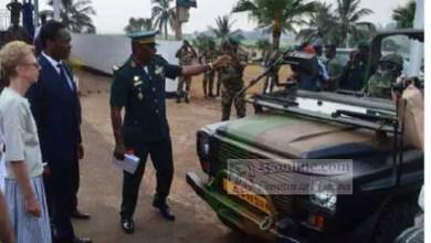 Photo of Cameroun – Boko Haram: la France offre des véhicules tout-équipés à l'armée camerounaise