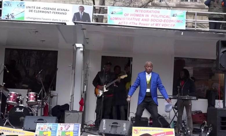 Nkodo Sitony en concert à Paris