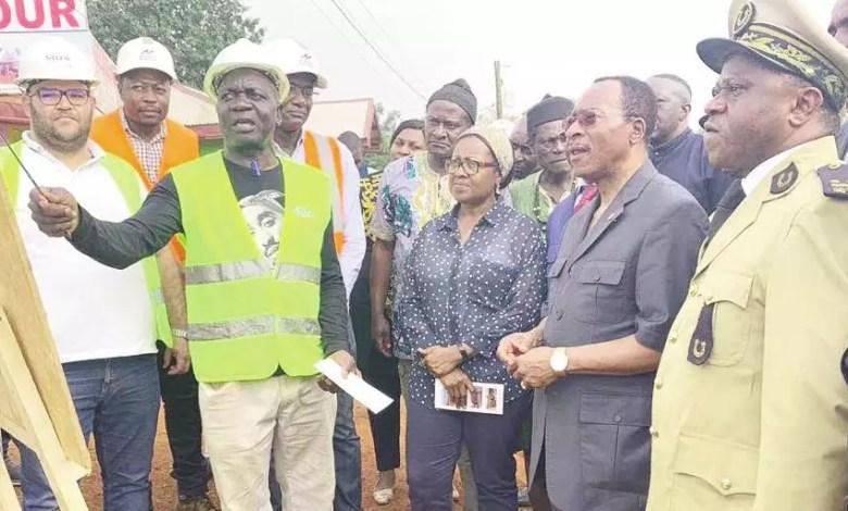 Emmanuel Nganou Djoumessi inspecte