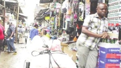 Photo of Marchés de Douala: Mafia autour de l'électricité