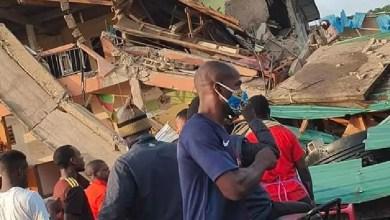 Photo of Cameroun – Urgent: Un immeuble de 4 niveaux s'effondre en face de l'Hôpital Général de Douala et fait plusieurs morts