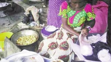 Photo of Cameroun: Gagner sa vie en vendant des beignets et du jus de gingembre