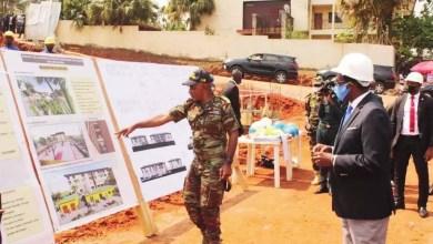 Joseph Beti Assomoisite des chantiers de Yaoundé par Joseph Beti Assomo