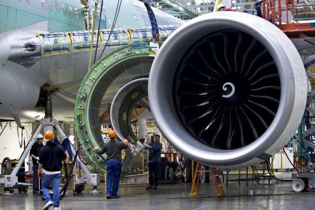 Some-Unbelievable-Statistics-About-The-GE-Engine-On-The-Boeing-777