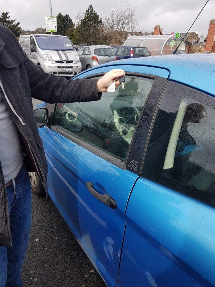 Keys locked in car Leeds