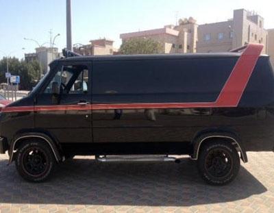 a team van for sale 2 48am everything kuwait. Black Bedroom Furniture Sets. Home Design Ideas