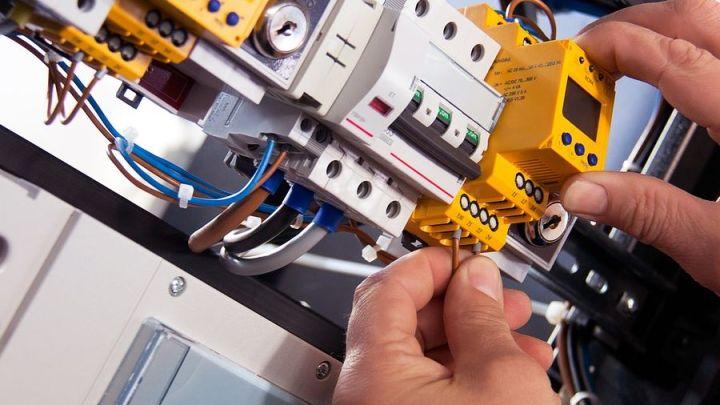 Bezpieczna eksploatacja instalacji elektrycznych.