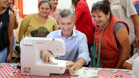 Macri se fotografió con una máquina que dejó de fabricarse en Argentina