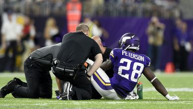 Photo of Adrian Peterson Opts For Surgery