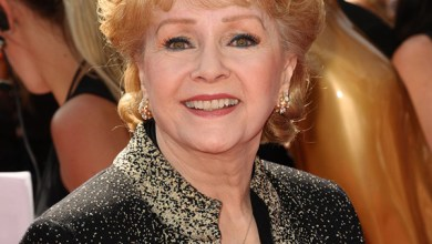 Photo of Hollywood Legend Debbie Reynolds dead, 84