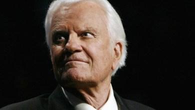 Photo of Evangelist Billy Graham Dead at 99