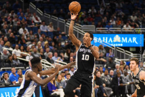 Spurs dominate Magic on night without Vucevic