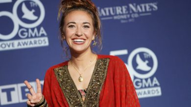 Photo of STARS SHINE BRIGHTLY AT THE 50TH ANNUAL GMA DOVE AWARDS
