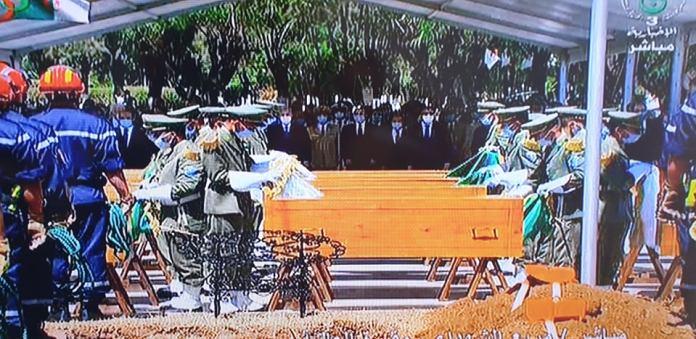 Inhumation des 24 résistants à El Alia