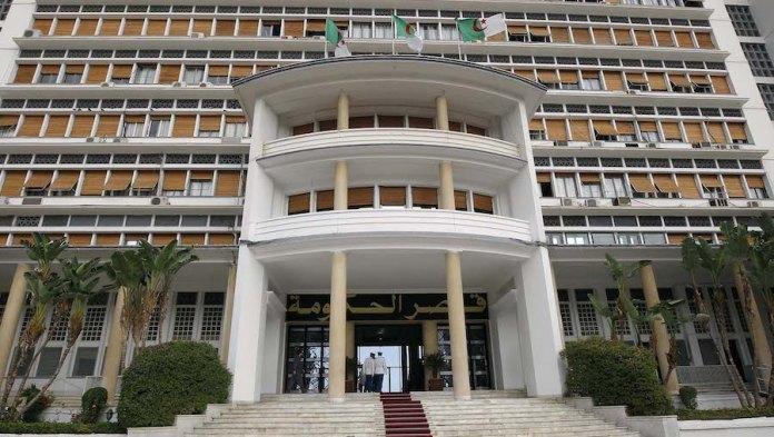 Les Algériens bloqués à l'étranger rapatriés incessamment