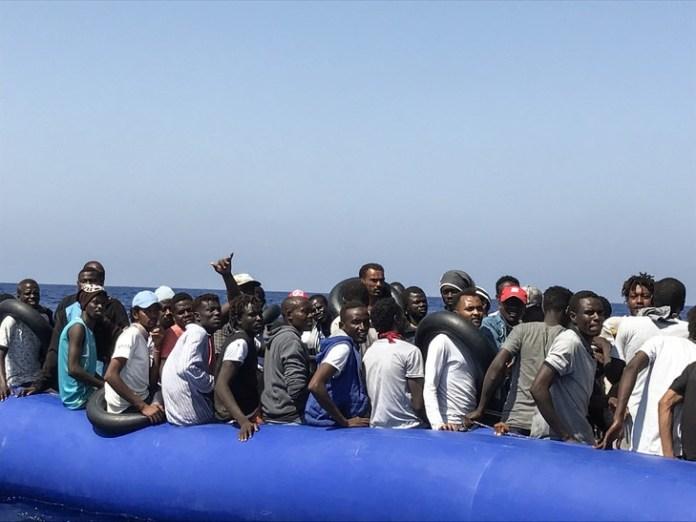 Traverser l'Afrique jusqu'aux côtes méditerranéennes, le calvaire des migrants (HCR)