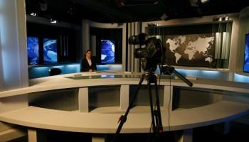 """Ammar Belhimer: """"50 chaînes de télévision privées non agréées en Algérie"""""""