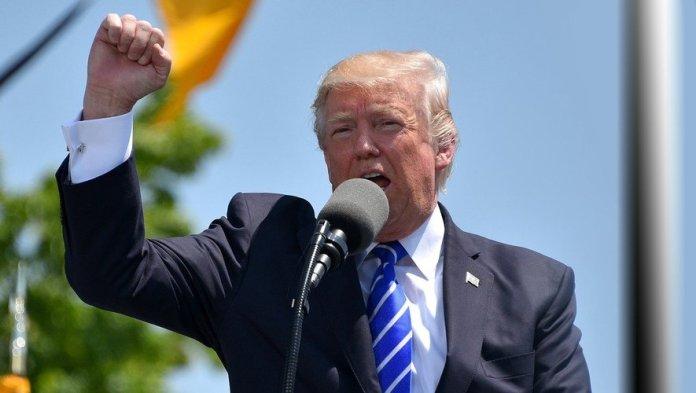 Trump concède à demi-mot la victoire de Biden dans