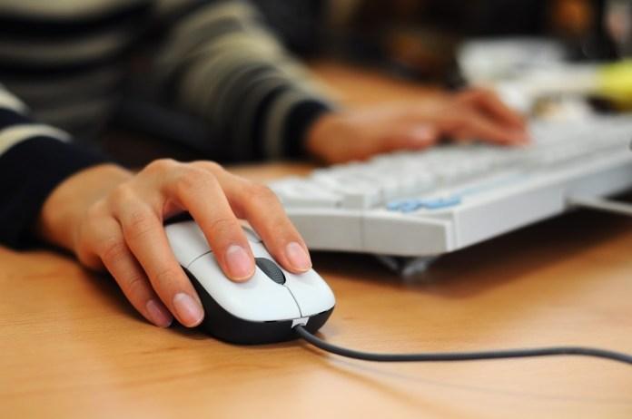 Algérie: 3,6 millions d'internautes de plus en une année