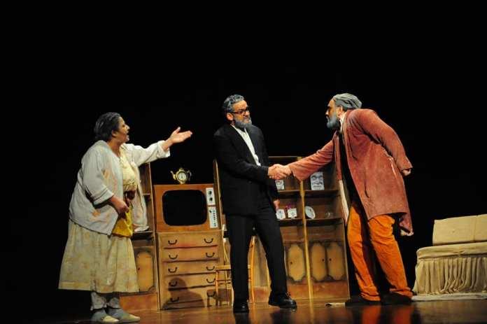 Ahmed Rezzak : «L'essence du théâtre, c'est la politique, cela ne peut pas être autrement »