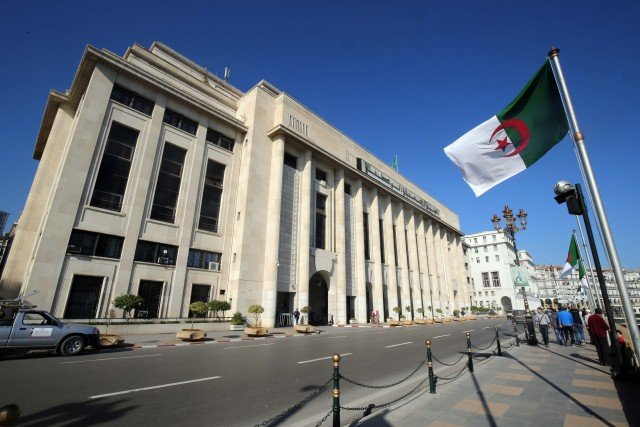 Législatives: le FLN arrive en tête, suivi des indépendants et du MSP