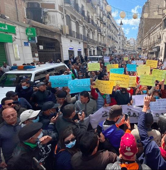 Vendredi 109: des milliers d'Algériens dans les rues