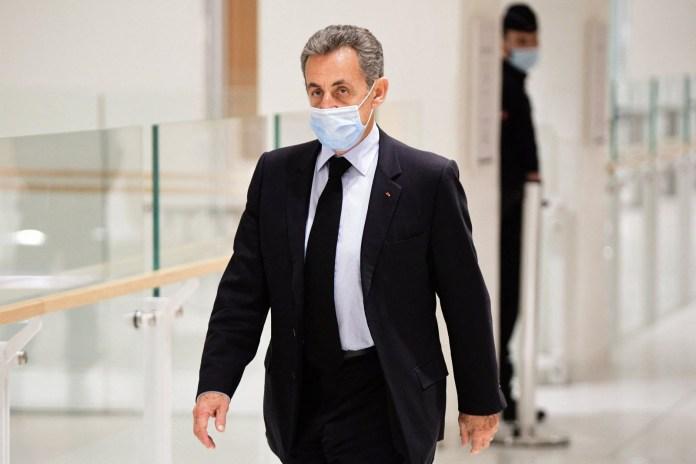 L'ex-président français Nicolas Sarkozy condamné à 3 ans de prison dont un ferme