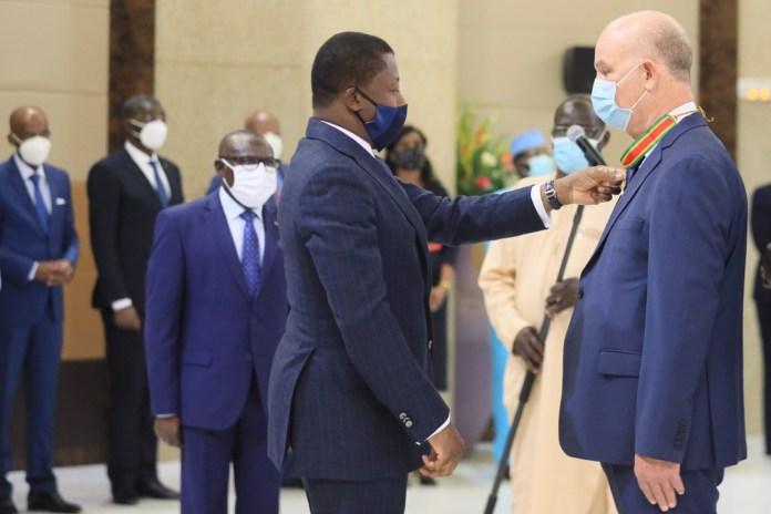 Smaïl Chergui sacré Commandeur de l'Ordre du Mono de la République togolaise
