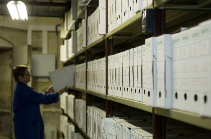 Macron facilite l'accès aux archives classifiées dont celles sur la guerre d'Algérie
