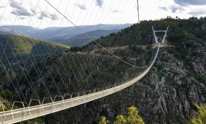 Le pont pédestre suspendu le plus long du monde inauguré au Portugal