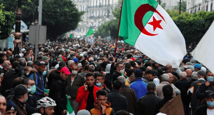 Hirak: L'Intérieur exige une déclaration des marches et les itinéraires
