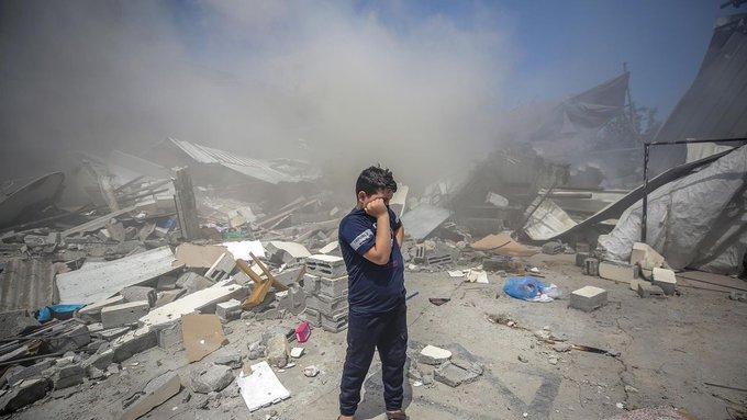 Israël bombarde Gaza, tensions aux frontières de la Palestine historique