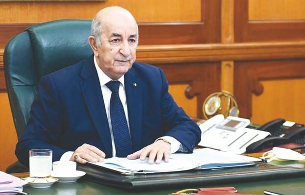 Tebboune critique des entreprises nationales ayant lié des contrats avec entités étrangères
