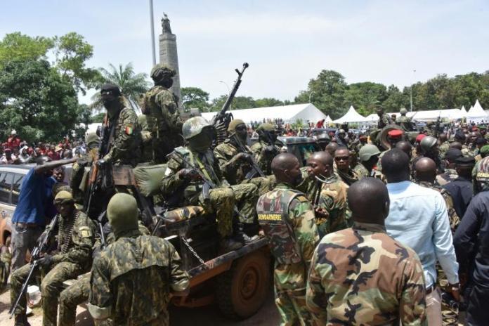 Le Mali, la Guinée, les armées et les putschs…