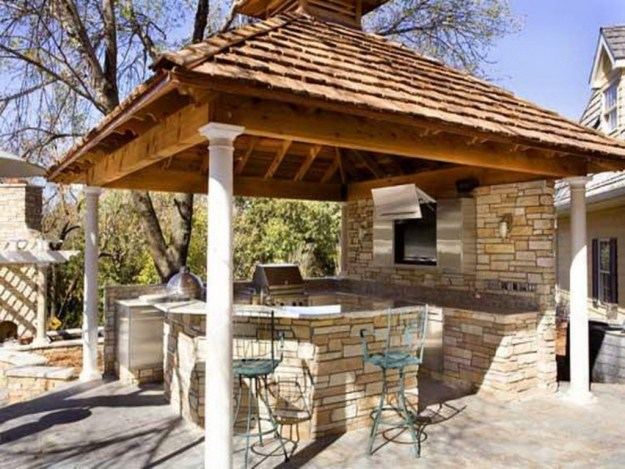 Top 15 outdoor kitchen design and decor ideas plus costs for Outdoor kitchen gazebo design