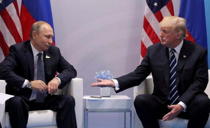 FILE PHOTO: U.S. President Donald Trump meets with Russian President Vladimir Putin during their bilateral meeting at the G20 summit in Hamburg | Autor: CARLOS BARRIA/REUTERS/PIXSELL/REUTERS/PIXSELL