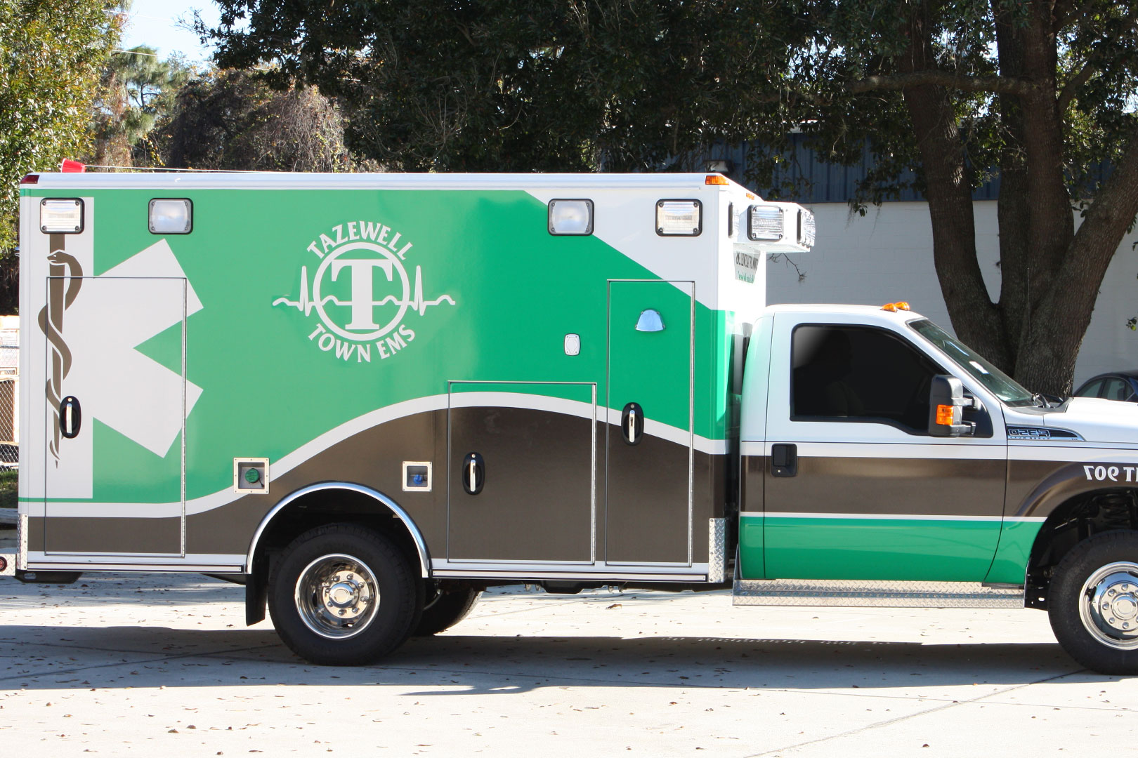 Tazewell Ambulance by 24Seven Graphic Design & Supply, Inc.