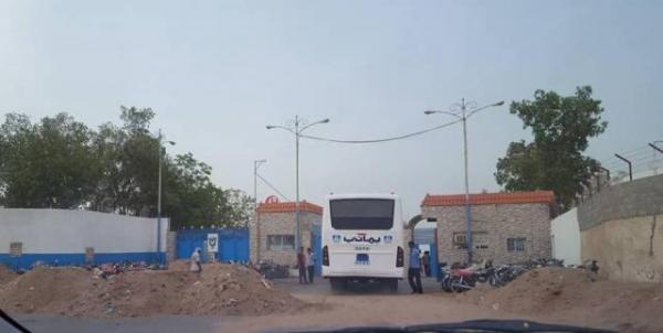 مليشيا الحوثي تعاود قصف مصنع يماني في الحديدة