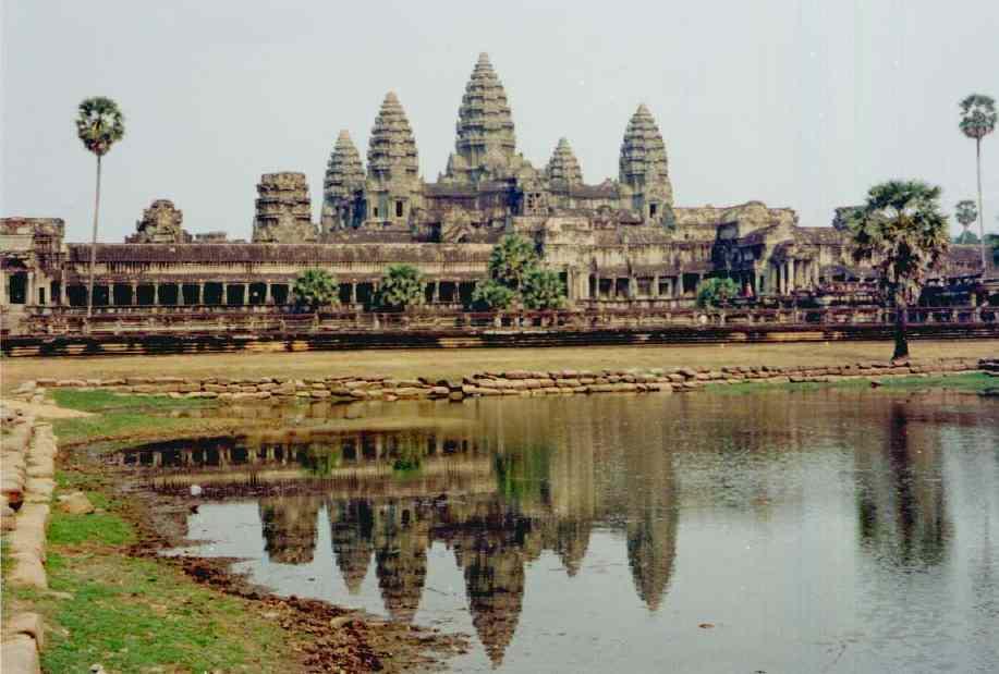 https://i1.wp.com/www.2blowhards.com/archives/Angkor%20Wat.jpg
