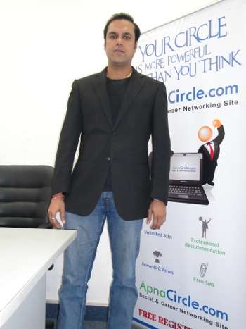 Yogesh Bansal, CEO of apnacircle.com