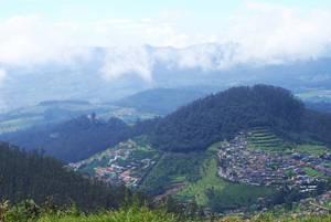 A view from Doddabetta Peak, Ooty