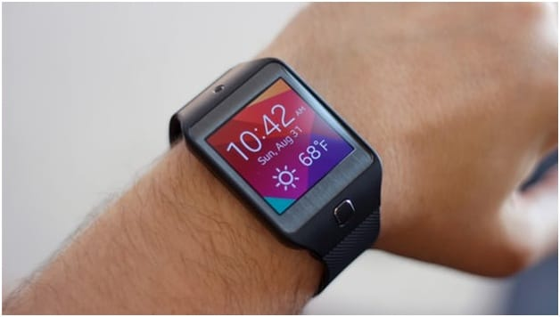 Best Selling Watches for Men 2016 - Samsung Gear Smartwatch